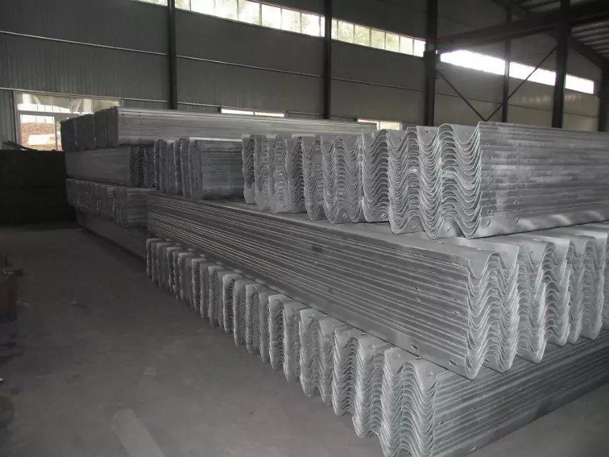 临汾市乡宁县波形护栏每米价格