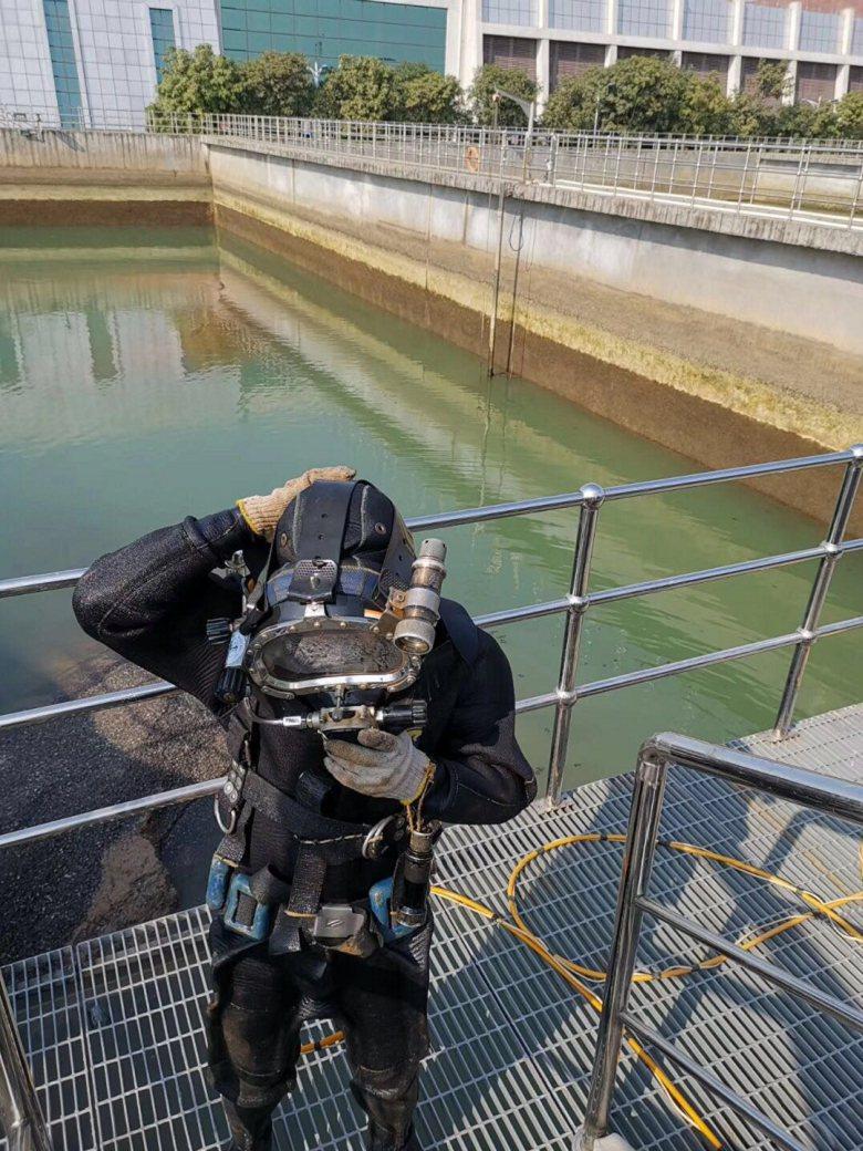 孝感市水下作业公司——蛙人潜水作业