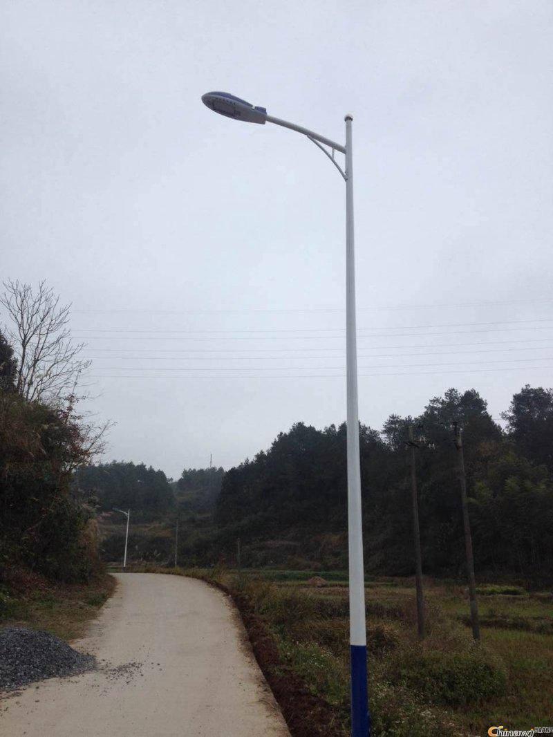 胶南太阳能路灯价格太阳能路灯光源路灯灯杆价格-星河路灯