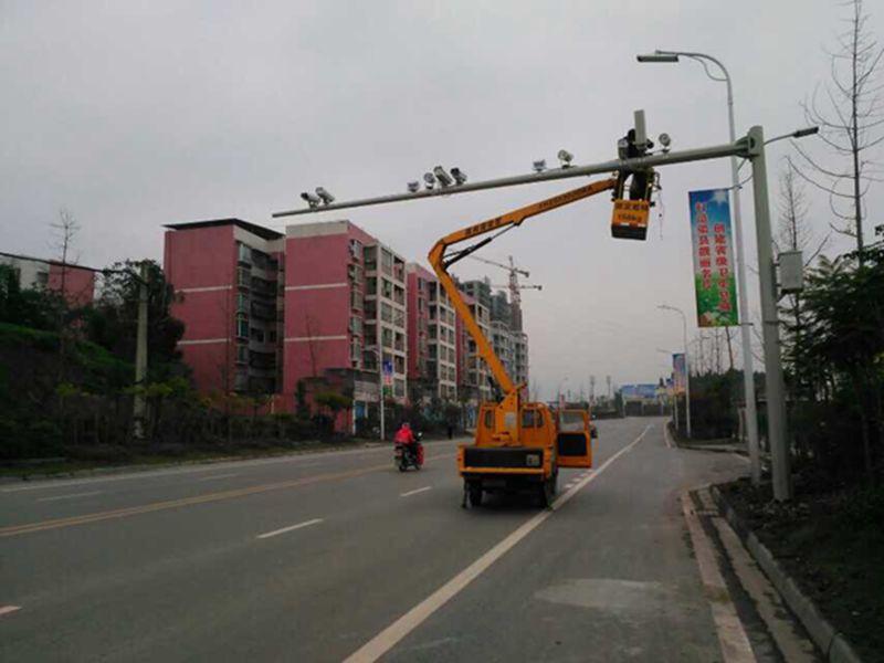 红河个旧政法委新项目雪亮工程圆锥监控立杆旋转L杆包验收