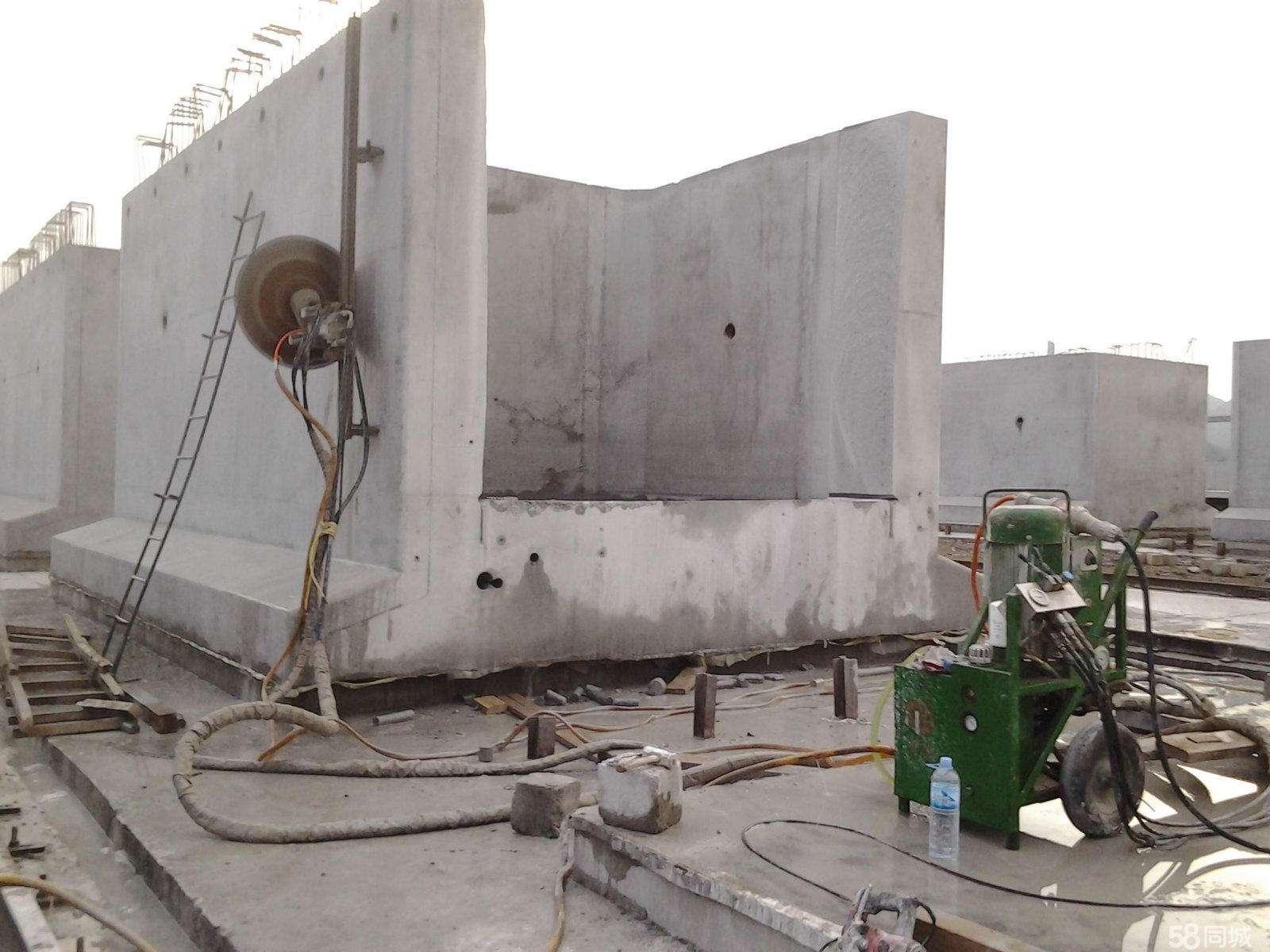 紅原高速防護欄切割拆除價格合理