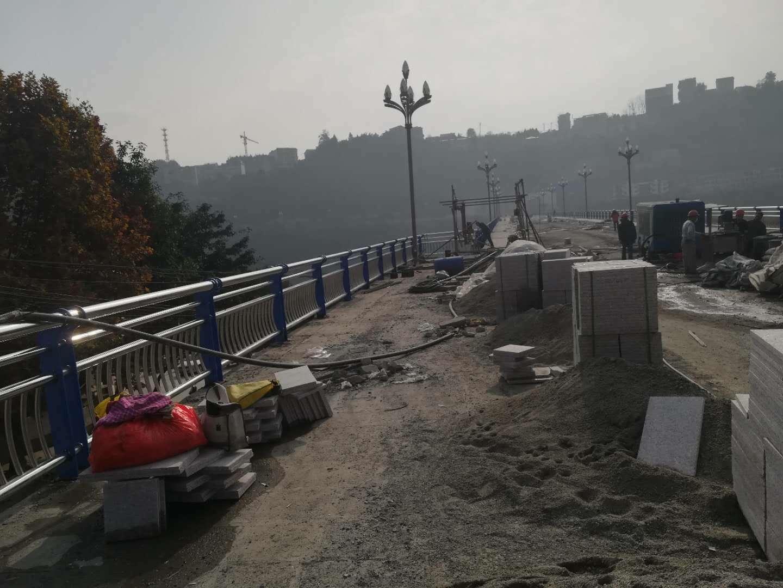 欢迎来电:镀锌喷塑防撞护栏赣州市价格