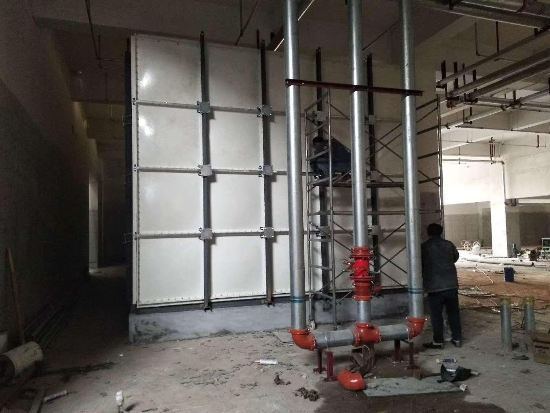 玻璃钢管道维修方法以下:开挖管道泄水点两侧的控制阀均已关闭,一般采