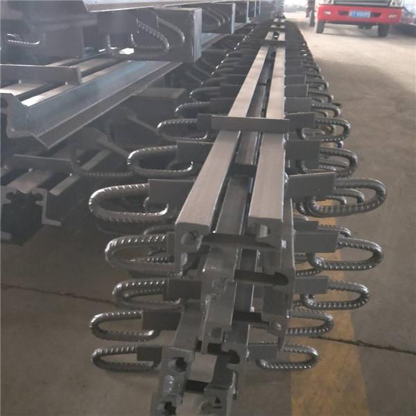巴中市安徽80型桥梁伸缩缝-厂家带胶条